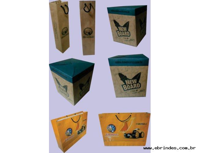 Sacola de papel / Caixas