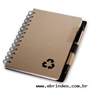 Caderno reciclado para anotações com caneta